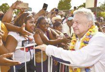 AMLO, Bolsonaro y otros líderes latinos, reprobados ante la pandemia