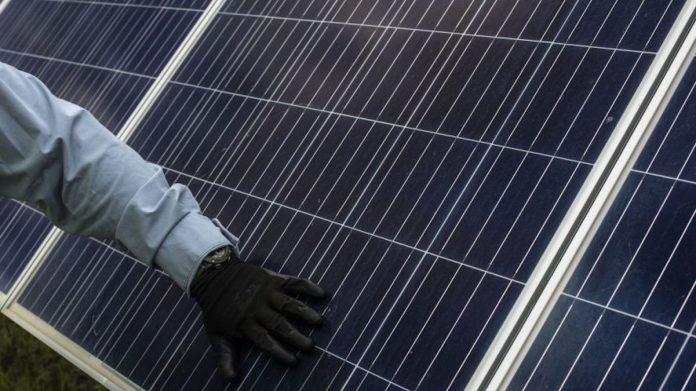 Cenace dará batalla legal contra suspensiones otorgadas a 7 empresas de energías limpias