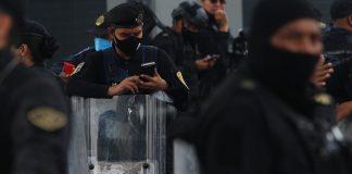 La mitad de los policías en México paga su propio equipo; 20% no recibe ni prácticas de tiro