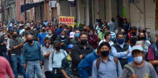 """La pandemia """"no tiene final a la vista"""" y sus efectos tardarán décadas en desaparecer: OMS"""