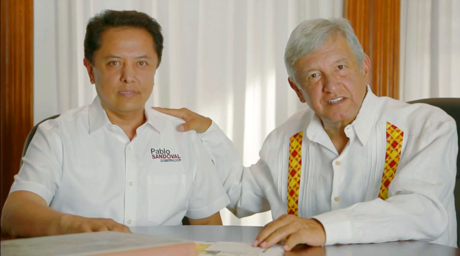 Tres superdelegados hacen campaña con espectaculares; expertos afirman que es ilegal