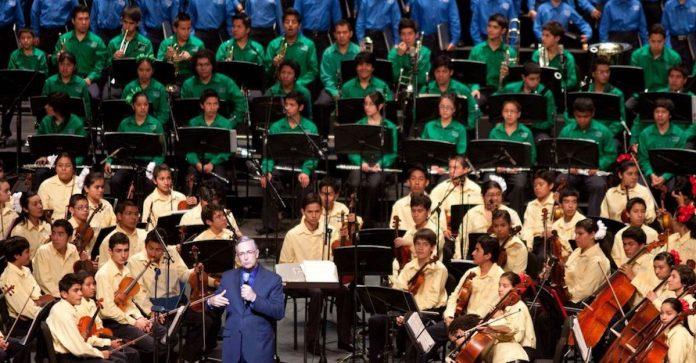 A un año de absorber Orquestas Azteca, SEP las suspende y adeuda salarios a maestros de música
